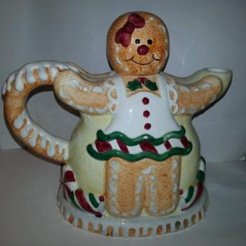 Vintage Gingerbread People Teapot - Kitchen