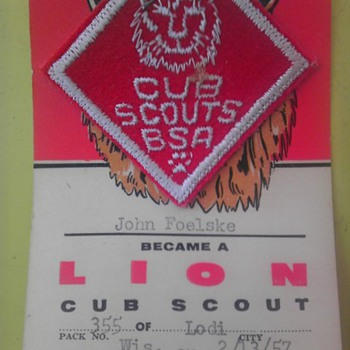 Dads cub scout badge 1957 - Medals Pins and Badges