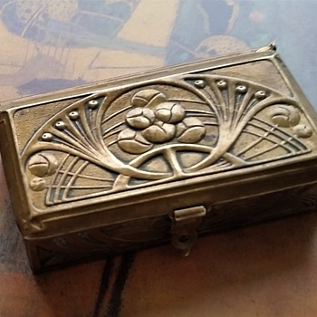 Bronze Art Nouveau - Arts and Crafts stamp box - Art Nouveau