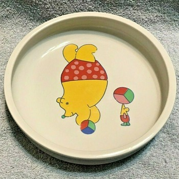Arabia Finland-- Child's Circus Bear and Mouse Bowl (Nalle / Teddybear) - Pottery