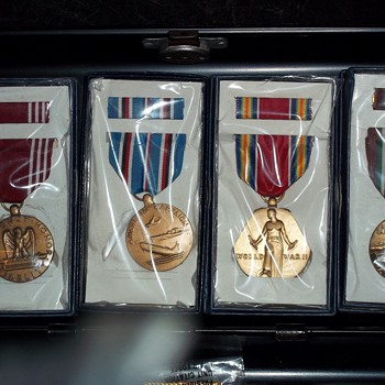 SERVICE MEDALS - Military and Wartime