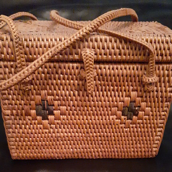 Small tighly woven trunk style basket - Furniture
