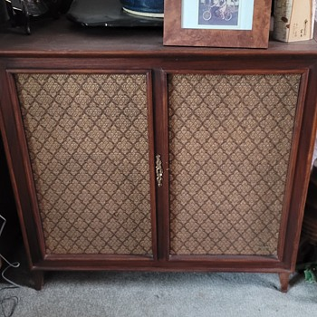 1968 Wharfedale W90D Speakers - Electronics