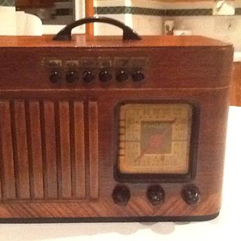 1940 Philco Radio - Radios