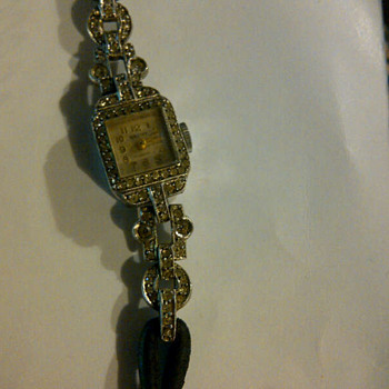 Baume Watch Vintage - Wristwatches