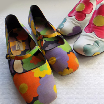 True Vintage Oomphies Go-Go Flower Power 1960's shoes - Accessories