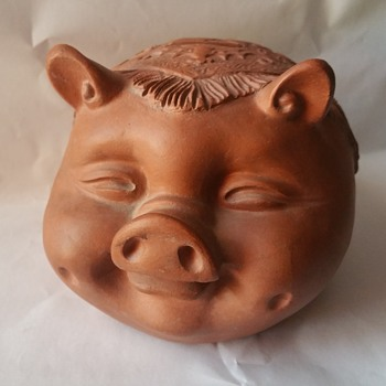 Smiling clay Pig - Coin Operated