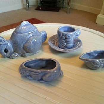 Childs Vintage 4 pc tea set in the shape of Bunnies. - Animals