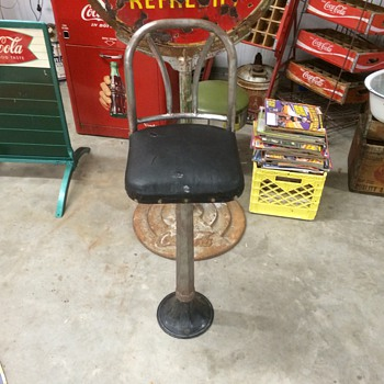 Soda fountain/drugstore stool. - Furniture