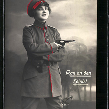 FRAULEIN LEUTNANT, WWI! - Postcards
