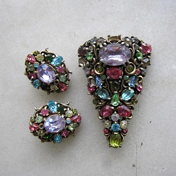 1950's Hollycraft brooch and clip earrings - Costume Jewelry
