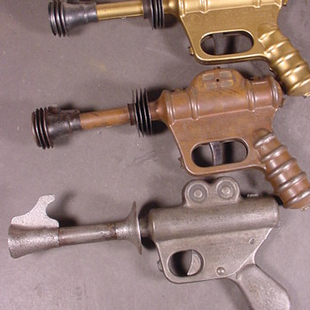 Buck Rogers ray guns 1930's - Toys
