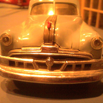 Warly fifties wind up Pontiac promo really moves out!