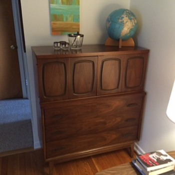 Mid century dresser converted to bar - Furniture