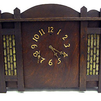 Gilbert Co. Arts & Crafts / Secessionist Style Oak Mantle Clock - Art Nouveau