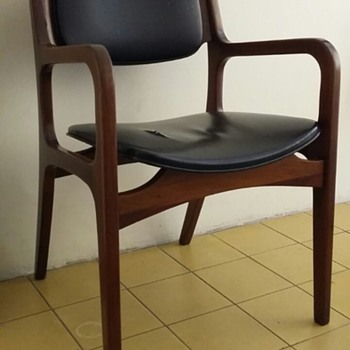 Looking for info about this chair - Furniture
