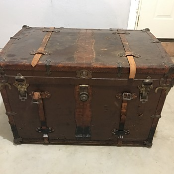 Please Help Identify this trunk  - Furniture