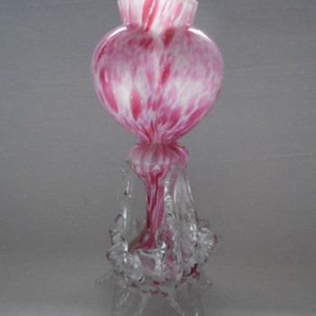Welz Tri-lobed Heart Vase - Art Glass