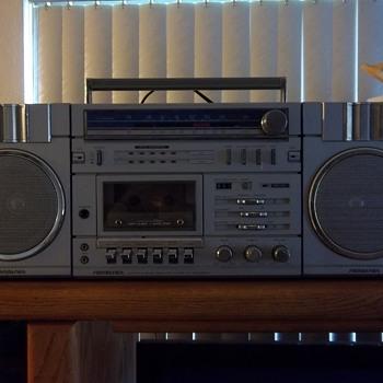 Ghettoblaster / Boombox - Electronics