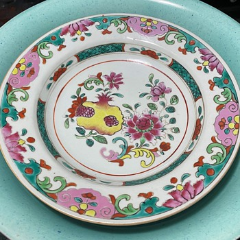 Pre-Bencharong Porcelain Plate - 18th c - for the Thai Market - Asian