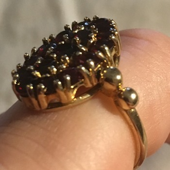 Antique garnet ring - Fine Jewelry