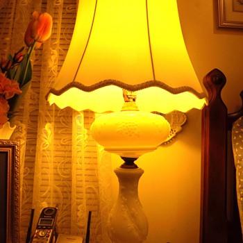 Milk glass lamp - Lamps