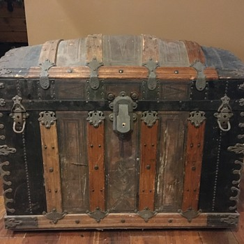 Dome trunk - Furniture