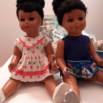 2 1950s bakelite dolls made by Ratti
