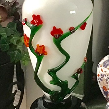 Pretty vase - Art Glass