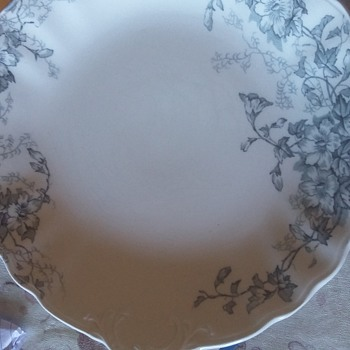 Wood and son doverdale semi porcelain plate - China and Dinnerware