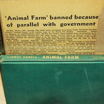 Animal Farm first edition and article of its banning in Ghana - Books