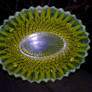 GEORGE DAVIDSON PEARLINE PLATTER GATESHEAD - Art Glass