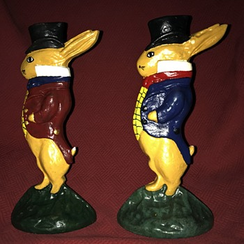 Albany Foundry #94 Gentleman Rabbit Doorstops - Animals