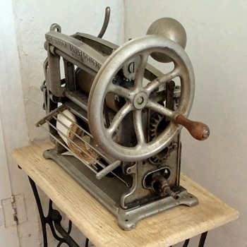 Antique Singer Pleating Machine, now with model numbers