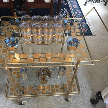 Culver Carnival Bar / Serving Cart - Glassware
