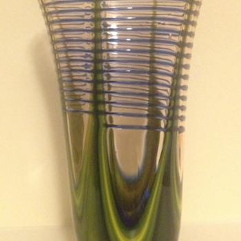 Kralik pink pulled trailed vase - Art Glass
