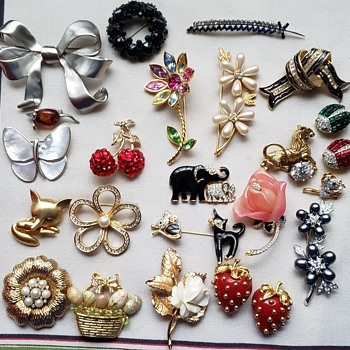 ....More Brooches - Costume Jewelry