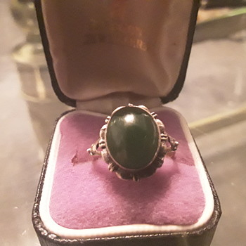 Antique Emerald 9ct gold dress ring - Fine Jewelry