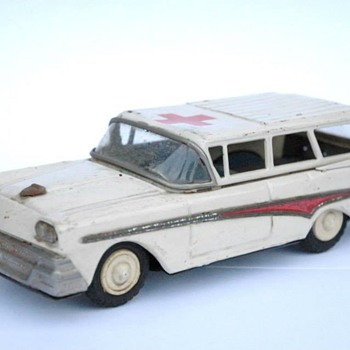 AMBULANCE FORD FAIRLANE, JOUSTRA VERS 1956 - Model Cars