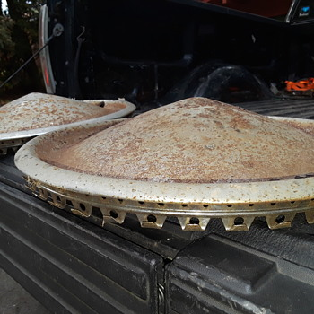 pair of old hubcaps, from what??? - Classic Cars
