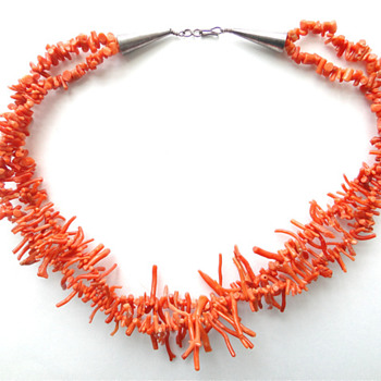 Navajo salmon/ red branch coral necklace