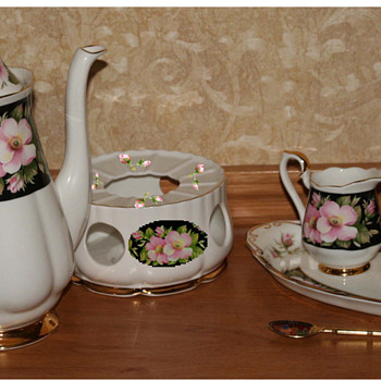 Royal Albert Provincial Flowers more photos - China and Dinnerware