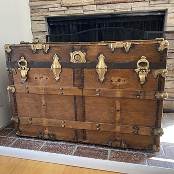 Great grandmother's trunk - Furniture