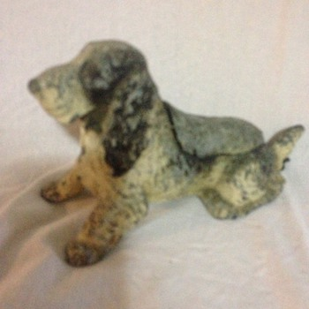 Hound Dog Metal Ashtray with built in flint lighter - Tobacciana