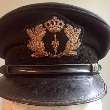 Four new additions to my Royal Netherlands Navy cap collection - Military and Wartime