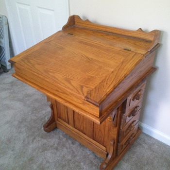 Not sure if this is a Davenport desk or not. Can someone please help me figure out what kind of desk this is? - Furniture