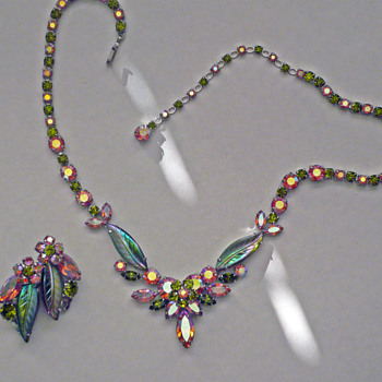 Rare Sherman Necklace, Pink & Green With Pressed Glass Leaves, Sherman Signed With Exact Match Earrings, Circa 1955 - Costume Jewelry