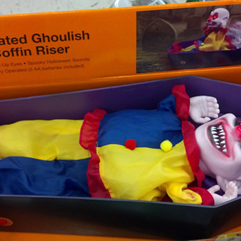 Halloween 2012, Animated Ghoulish Coffin Risers - Dolls