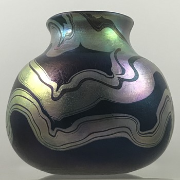 Charles Lotton Threaded Tribal vase, ca. 1974 - Art Glass