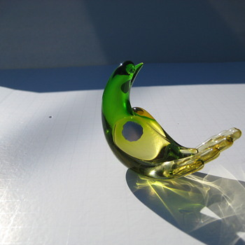 Yellow/green glass bird